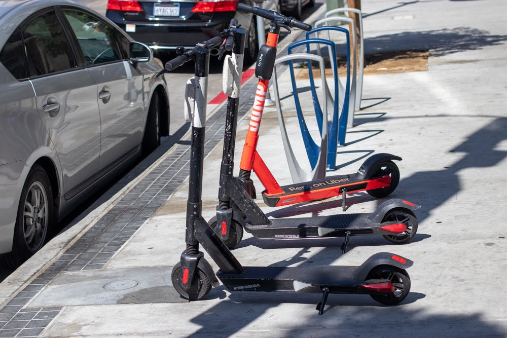 Savannah, GA – One Seriously Injured in Scooter Crash at Anderson St